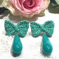 Earrings - Teardrop Earrings , Crochet Earrings , Long drop earrings , Greenery (Pantone) - Her Crochet Crochet Jewelry Patterns, Crochet Earrings Pattern, Crochet Accessories, Crochet Motif, Diy Earrings, Teardrop Earrings, Earrings Handmade, Handmade Jewelry, Quilling Earrings