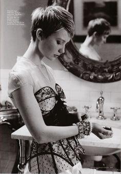 Mia-Wasikowska-Photoshoot-Harper-s-Bazaar-Australia-August-2011