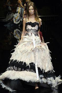 29c5224fdf6 25 κορυφαίες εικόνες με ROCCO | Fashion show, Couture και High fashion