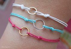 Pulsera de hilo y anillas / Thread and rings bracelet