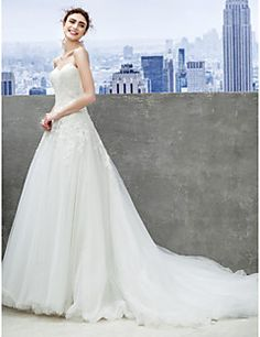 Lanting Bride® A-line Wedding Dress Chapel Train Sweetheart Tulle with Appliques