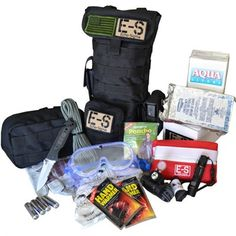 """The Runner """"CR"""" (Critical Response) takes the Echo-Sigma Runner concept to the next level by letting you go from """"off duty"""" to . 72 Hour Emergency Kit, In Case Of Emergency, Emergency Bag, Get Home Bag, Glass Breaker, Disaster Preparedness, Tornado Preparedness, Wet Wipe, Totes"""