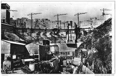 1942-1951 Barrage de Bort les Orgues (19) en construction (http://fr.wikipedia.org/wiki/Barrage_de_Bort-les-Orgues)