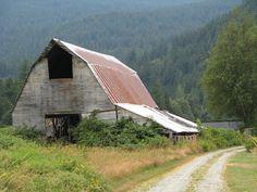 Roadside barn in Washington State