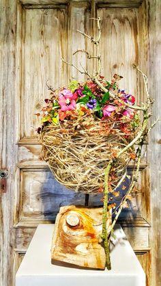 Designd by Thomas Gröhbühl Deutscher Meister der Floristen Grapevine Wreath, Grape Vines, Floral Design, Floral Wreath, Wreaths, Home Decor, Art, Ideas, Art Background