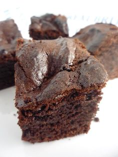 I am not one of those girls obsessed with chocolate for me it is a bit of a take it or leave it ingredient. The exception was while I was pregnant I craved both cake and chocolate. Suriname Food, Giving Up Alcohol, Date Cake, Date Recipes, British Baking, Girl Cakes, Cravings, Nom Nom, Cake Decorating