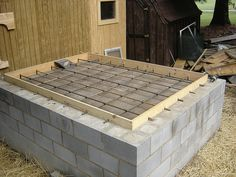Wood fired oven construction by wildmtrosetn39, via Flickr