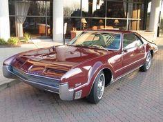 1966 Oldsmobile Toronado (V).....as a kid I went crazy for this car....