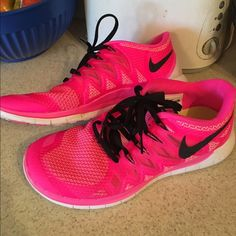 Nike free 5.0 Vibrant link with black accent Nike free 5.0 Nike Shoes Athletic Shoes