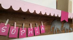 For a great nursery or kids room, this wall shelf is perfect for an elephant themed decor. 30 shelf that comes with up to 7 letters.  Shelf color is