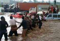 Video goes viral of South Africans forming a human chain during the flood