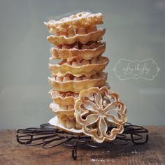 Aren't those just the prettiest waffles? They're so delicate and beautiful looking. And delicious!) My mom and grandma discovered the rosette waffle iron hidden somewhere in the bac… Rosettes Cookie Recipe, Rosette Cookies, French Toast Waffles, Crepes And Waffles, Beignets, No Bake Desserts, Delicious Desserts, Artisan Food, Dessert Bread