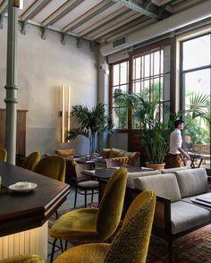 Le Camondo nouveau restaurant sur jardin décoré par l'agence Favorite le duo qui a déjà signé le COQ hôtel. . Lunch with view to the garden is n the new restaurant #LeCamondo #museenissimdecamondo
