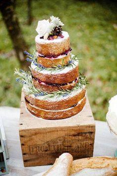 Ländliche Hochzeit - Rustikale Hochzeitstorte #2063073 - Weddbook