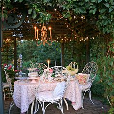 looks so inviting, want to sit there with a few of my sweet friends!!