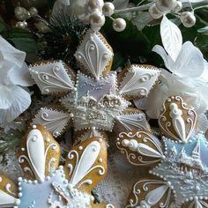 Snowflakes Christmas gingerbread cookies