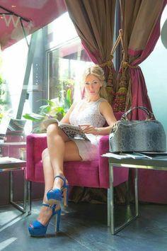 L'estate si tinge di bianco. Federica Bertoni indossa MAURO EFFE by Mauro Franchi per un look glamour.         #vestito bianco Mauro Effe by Mauro Franchi SS2016