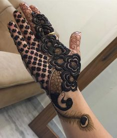 Hariyali Teej Mehndi Designs To Try - Henna designs - Henna Designs Hand Floral Henna Designs, Latest Bridal Mehndi Designs, Henna Art Designs, Stylish Mehndi Designs, Mehndi Designs For Girls, Wedding Mehndi Designs, Simple Arabic Mehndi Designs, Beautiful Henna Designs, Latest Mehndi Designs