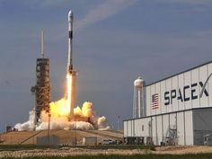 SpaceX developed by Elon Musk at Boca Chica is a great place to look into - The Geek Herald Falcon 9 Launch, Elon Musk Spacex, Spacex Falcon 9, Spacex Launch, Rocket Launch, Kennedy Space Center, Nasa Astronauts, Boca Chica, California