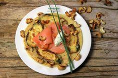 Zuchini Pfannkuchen mit Lachs im #Haxnbauer Wood Charcoal, Charcoal Grill, City Restaurants, Bruschetta, Vegetable Pizza, Grilling, Pork, Ethnic Recipes, Easy Meals