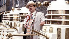 Sylvester McCoy become the seventh doctor in he takes the lead role of Doctor by succeeding Colin Baker whose retirement from the series was bit dramatic, Sixth doctor was injured by Rani through attacking on TARDIS and was the to regenerate Film Doctors, Best Doctors, Eleventh Doctor, Doctor Who, Sylvester Mccoy, Colin Baker, Paul Mcgann, Celebrity Style Guide, Playing Doctor