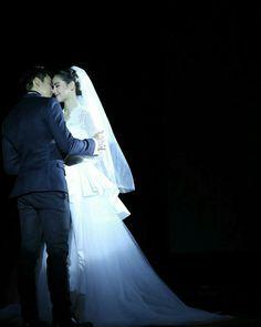 Thai Style, Thai Drama, The Crown, Weeding, Dan, Couples, Wedding Dresses, Books, Movies