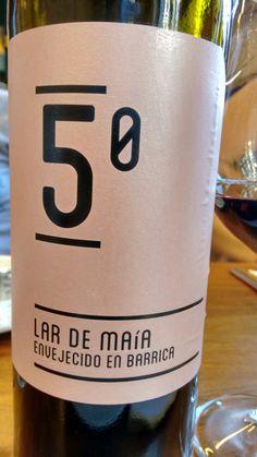 Lar de Maía 2010 - VT Castilla y León - Bodega Lar de Maía - Vino tinto con crianza, envejecido durante 16 meses en barricas de roble fránces y americano - 75% Tempranillo, 25% Garnacha - 13,5%