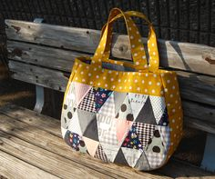 Thank you, Pink Penguin for posting this in your blog!  I'm going to go through my pile of Patchwork Tsushin magazines to see if I have this issue - I sure love this bag!  Patchwork Tsushin No.179