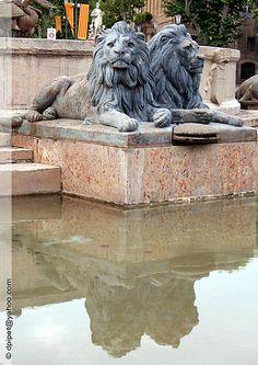 la fontaine de la rotonde à Aix-en-Provence , Provence