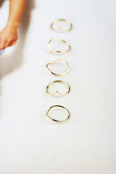 Caporal 8 - yellow gold phalanx rings for every finger by Maschio Gioielli Milano #midirings #phalanxring #gold #jewels #rings #maschiogioielli #milano