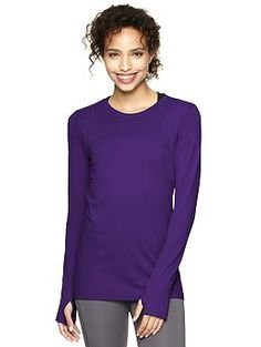 GapFit Motion long-sleeve T. Won a Women's Health Fitness Award for best top. Flattering panels and high ratings.