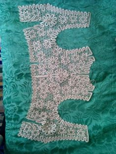 Главная страница друга Bruges Lace, Bobbin Lace Patterns, Lacemaking, Crochet Cardigan, Projects To Try, Textiles, Crafts, Bobbin Lace, Hand Crafts