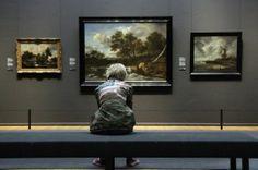 People Watching at the Rijksmuseum - via www.museumdiary.com