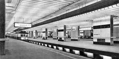 Dworzec Warszawa Śródmieście, lata 60. (fot. Edmund Kupiecki) Warsaw, Amalfi, Old Photos, Poland, Illusions, Architecture, Travel, Retro, Old Pictures