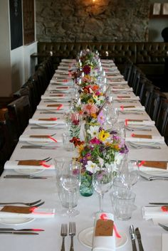 Wedding table with posies