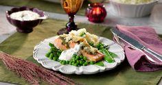 Gör hela familjen glad med laxfilé med pesto och citronsås!