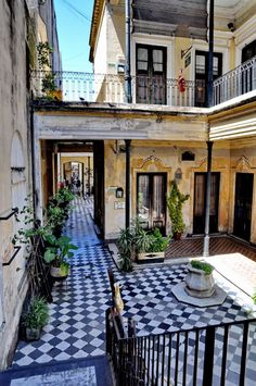 San Telmo - Argentina, America do Sul Argentina South America, South America Travel, Places Around The World, Oh The Places You'll Go, Around The Worlds, Argentine Buenos Aires, Argentina Travel, Architecture, Chile