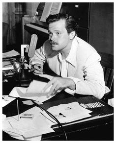 Orson Welles Announces the Rita Hayworth Atomic Bomb Golden Age Of Hollywood, Vintage Hollywood, Classic Hollywood, Lauren Bacall, Natalie Wood, Cary Grant, Lps, Gerard Philipe, Orson Welles