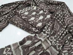 Cotton mulmul dupatta  Free shipping & COD  whatsapp 7413976951 Salwar Pants, Cotton Salwar Kameez, Suits For Sale, Suits For Women, Chinese Collar, Cotton Suit, High Collar, White Cotton, Printed Cotton