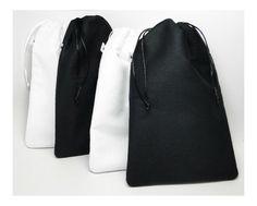 Saquinho acolchoado porta-trecos - FashionArts - Artesanatos da Moda -  branco e preto