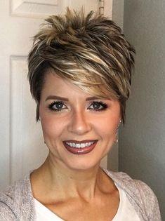 Perfect 45 Stylish Pixie Haircut For Thin Hair Ideas Stylish Pixie Haircut; Super Muy Corto Pixie Cortes de pelo Y Colores de Pelo para Very Short Haircuts, Popular Short Hairstyles, Hairstyles 2018, Ladies Hairstyles, Popular Haircuts, Trending Hairstyles, Latest Haircuts, Winter Hairstyles, Bridal Hairstyles