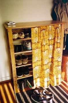 pallet wood | Tumblr shoe rack - Nice to have the curtain option to cover up the clutter. Top could be used to hold the mitten/hat basket.