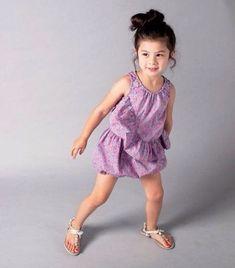 Las propuestas de moda infantil de la marca Nelly Stella nos han conquistado por su frescura y sencillez, con estos modelitos nuestras niñas podrán...