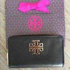 Tory Burch Britten Zip Wallet