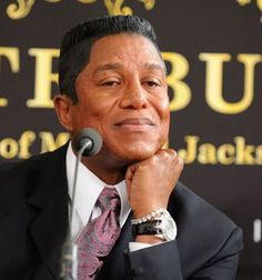 Jermaine Jackson named 2 out of his 9 children Jermajesty and Jaafar, so he obviously has his doctorate in Fucked Up Names and he's at it again. Jackson Name, Jackson Family, Jackson 5, Michael Jackson Live, Jermaine Jackson, People, Lego, Smile, Hair