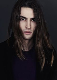 guys with long hair Gorgeous Men, Beautiful People, Pretty People, Cabelo Rose Gold, Long Dark Hair, Men With Long Hair, Great Hair, Male Beauty, Hair Goals