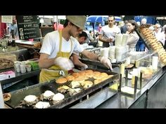 This is the the third video in my channel about the duck-meat burger in London. It is here because: - the guy preparing the foods seems kind of pictoresque t. Food Categories, London Street, Lunch Recipes, Street Food, Burgers, Make It Yourself, Meat, Cooking, Amazing