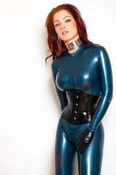 latex-passion:Stunning Gia