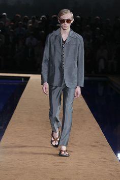 PRADA 2015春夏男裝系列重回品牌精神 呈現優雅復古服裝面貌 | SHINE華文時尚工作者社群平台