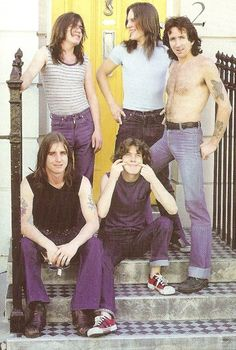 Angus Young Malcolm Bon Scott AC/DC 70's